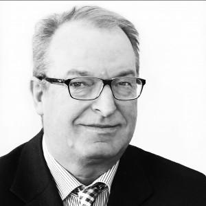 Dr. Häusser